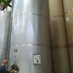 Motorized tank made for paper mill