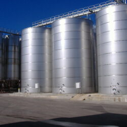 Stainless steel tanks for wine-producing system